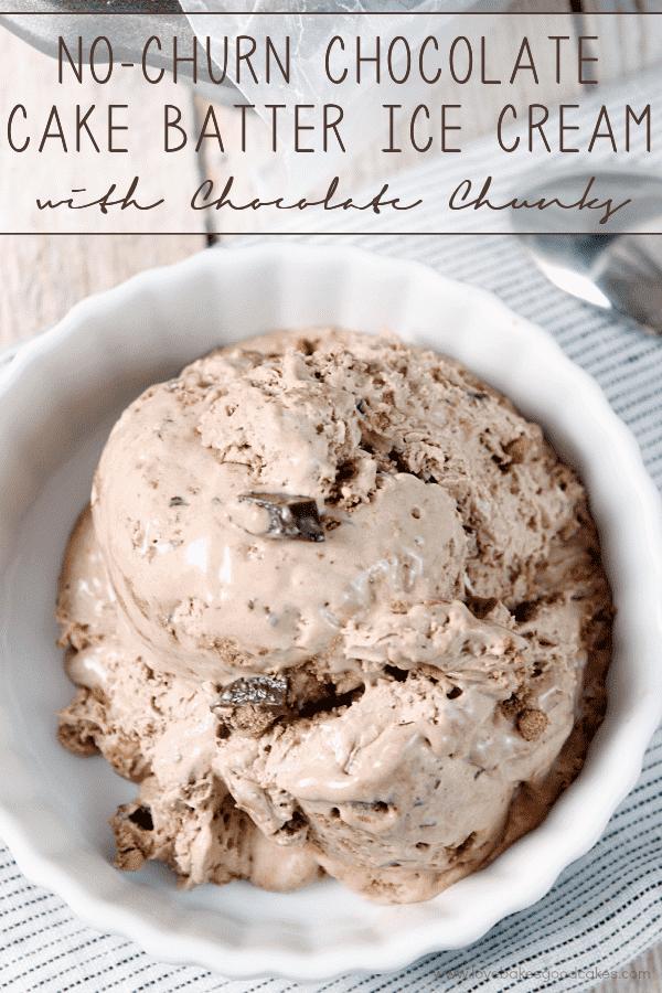 Este sorvete de massa de biscoito de chocolate {No-Churn} é o que os sonhos são feitos! Fácil de fazer e delicioso de comer! #ConquerTheMess #Pmedia #ad