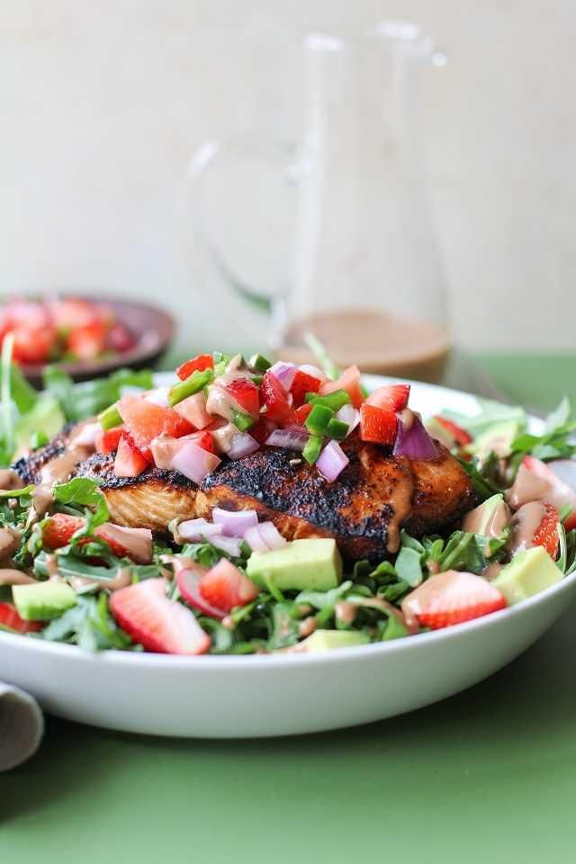Salmão grelhado com molho de morango