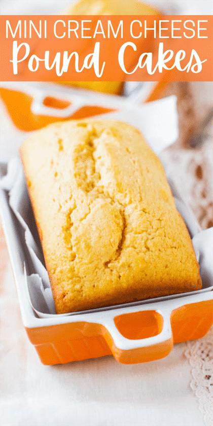 Mini panes glaseados de bizcocho: ¡adorables mini bizcochos de vainilla que están húmedos, tiernos y nada secos!  O puede hornearlos como una hogaza de tamaño completo.  ¡Esta receta hará que cualquiera sea fanático del bizcocho!