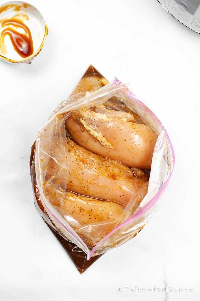 pechuga de pollo marinada en salsa teriyaki