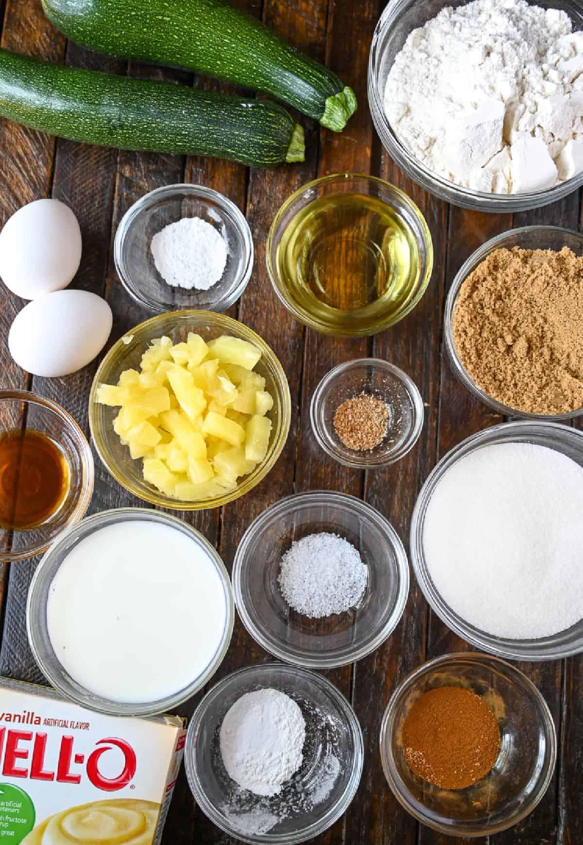 Una foto de todos los ingredientes necesarios para hacer esta receta.